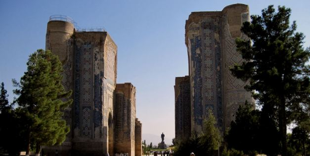 The ruined gates of the Ak-Saray Palace