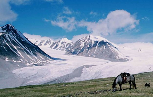 Khuiten Peak and the surrounding mountains are a Mountaineers desire