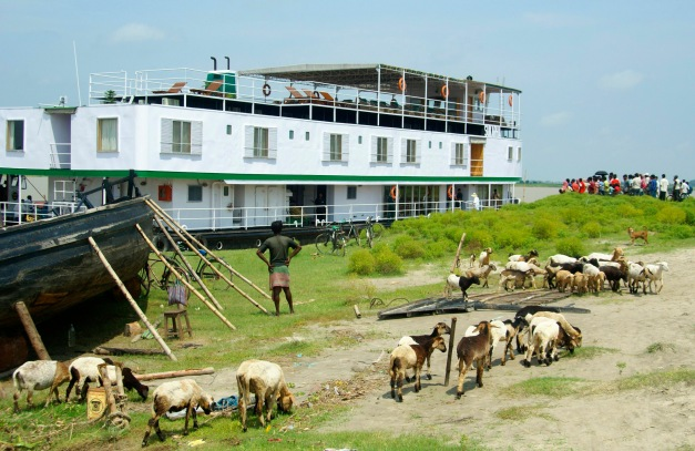 Holy Ganges - Downstream, 6 Nights / 7 Days, Patna to Farakka (Bengal Despatch 4) on ABN Sukapha