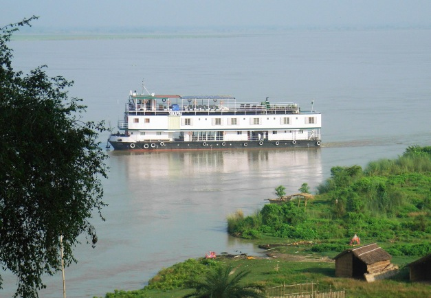 Historic Hugali - Upstream, 7 Nights / 8 Days, Kolkata to Jangipur (Bengal Despatch 1) on ABN Sukapha