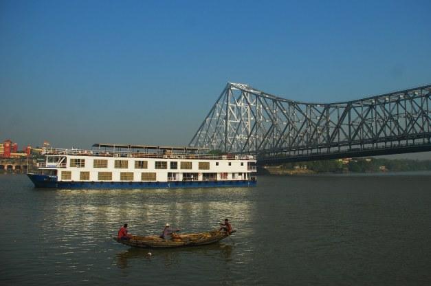 City Of Light - Upstream, Patna to Varanasi (Bengal Despatch 9) on ABN Rajmahal