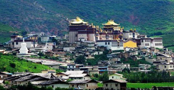 "Zhongdian is sometimes referred to as ""Little Potala"""