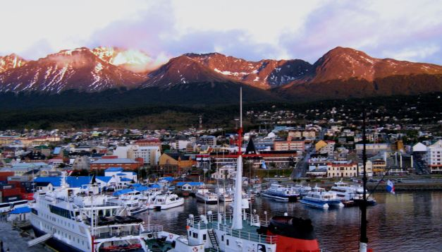 A cruise is the perfect way to experience the sights of Cape Horn